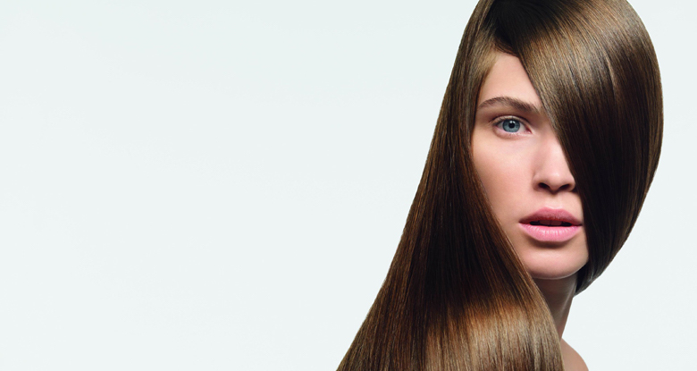 Planchado de pelo en peluquería en Barcelona