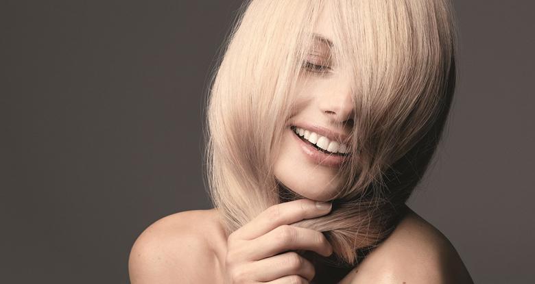 Baño de color para renovar tu cabello